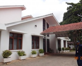 Alluring Morden Five Bedroom House for Rent
