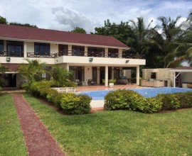 Prime Water Front Beach House For Sale
