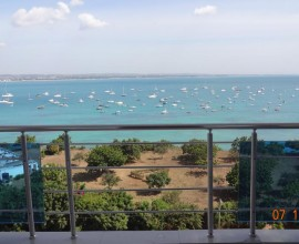 Sophisticated Pent House with Panoramic Views For Rent
